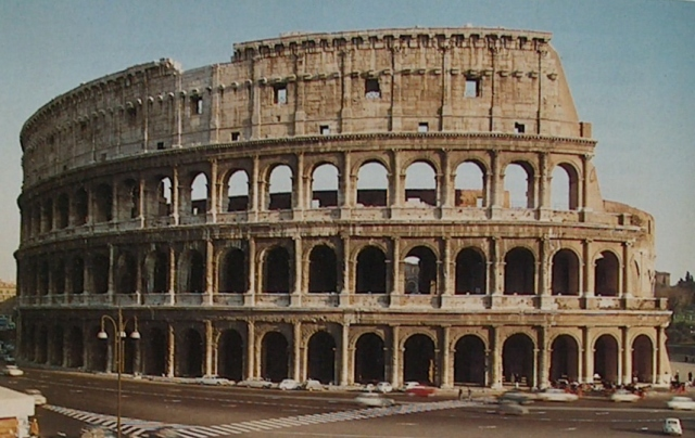 Ancient Roman Architecture Colosseum how many people could the ancient colosseum in rome hold