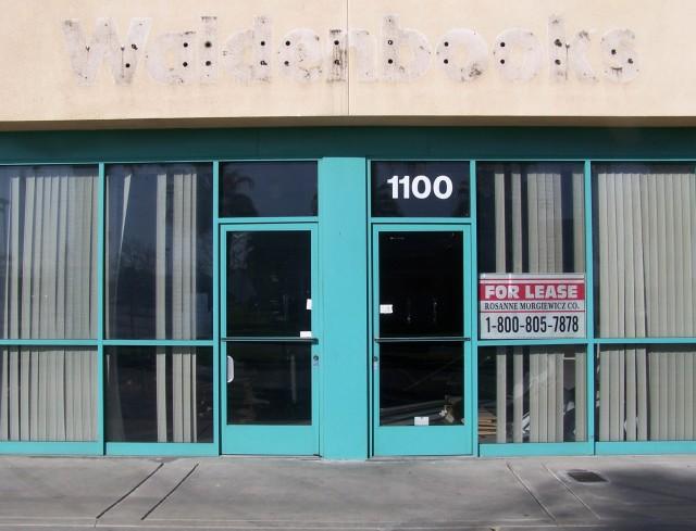 walden books closes lancaster ca feb 2010